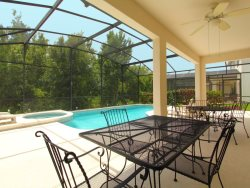 6bed/3bath Enormous Home, Enormous Pool with a Hot Tub