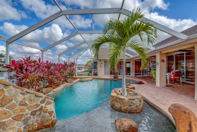 Villa Sun Splash Cape Coral Luxury Rentals Cape Coral