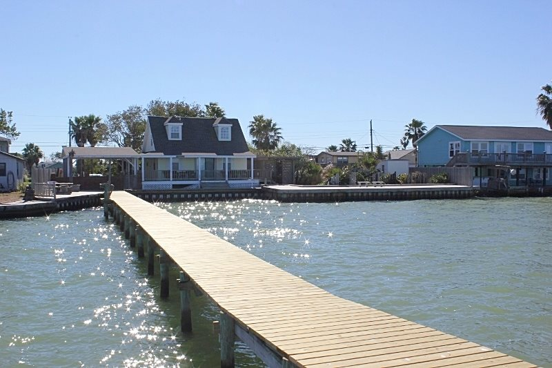 Bay house rockport tx miss kitty s fishing getaways for Miss kittys fishing getaways