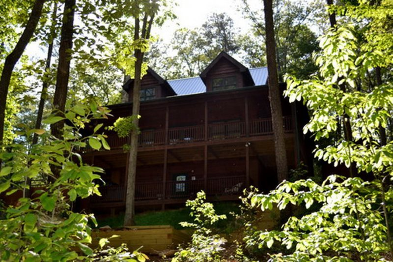 Blue ridge cabin rental toccoa river cabins for 8 bedroom cabins in blue ridge ga