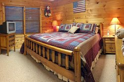 My Mountain Dream Vacation Cabin Lower Level Bedroom