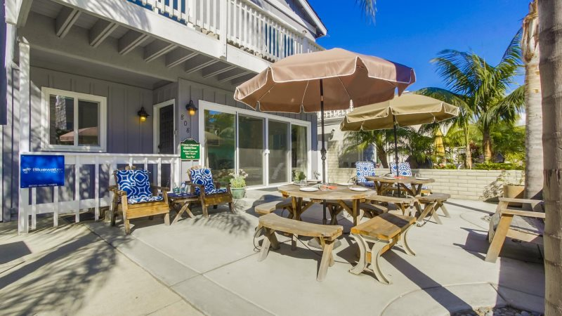 San diego beach house rentals mission beach house decor for Mission homes