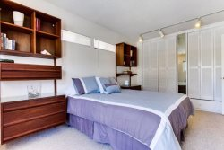 Queen Bed with dresser for storage - South Mission Beach, San Diego Vacation Home