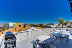 Shared roof top deck with lower vacation home - South Mission Beach, San Diego Vacation Rental