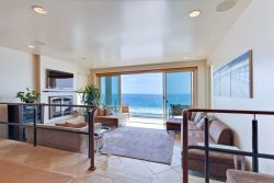 Bright and Spacious Vacation Rental with Sea Breeze
