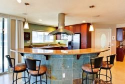 Mission Beach Vacation Rental - Upstairs Kitchen with Breakfast Bar