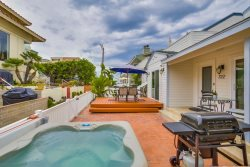 Balboa Shores One - South Mission Beach Vacation Rental w/ HOT TUB!!!
