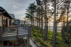 Windswept with carriage house - Oceanfront
