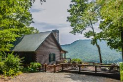 BEAR RUN- 3 BEDROOM 1 BATH LUXURY CABIN WITH ONE OF THE BEST VIEWS IN THE AREA, HOT TUB, GAS GRILL, WIFI, PET FRIENDLY, FLAT SCREEN SMART TV WITH CABLE AS WELL AS CABLE TV IN MASTER, WOOD BURNING FIREPLACE, LARGE DECK, STARTING AT $175 A NIGHT!