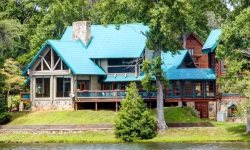 FALLING WATERS LODGE - 5BR/4BA, MOUNTAIN VIEW, LAKE VIEW LODGE, HOT TUB, WIFI, SAUNA, POOL TABLE, COMMERCIAL GRADE KITCHEN, 3 WOOD BURNING FIREPLACES, FLAT SCREEN TVs, CALL FOR PRICING!