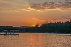 RUSTIC RETREAT- 2 BEDROOM/2 BATHROOM,SLEEPS 6,SATELLITE TV,WIFI,GAS GRILL,HOT TUB, SMALL DOGS ALLOWED,PUBLIC ACCESS TO LAKE BLUE RIDGE, STARTING AT $125/NIGHT!