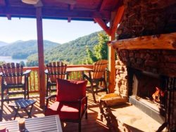 LIGHT`S LAKE OVERLOOK LODGE- 5BR/3BA- LUXURY CABIN WITH BEAUTIFUL MOUNTAIN AND LAKE BLUE RIDGE VIEWS, SLEEPS 14, HOT TUB, INDOOR AND OUTDOOR FIREPLACES, POOL TABLE, FIRE PIT, WIFI, HORSE SHOE PIT! STARTING AT $400/NIGHT!