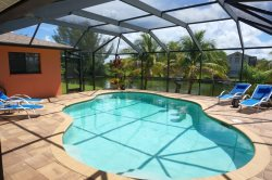 Gulf Access Home, Electric Heated Pool, 3 Bedroom, 2 bath
