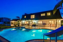 Manoir de Rose, La Jolla Luxury Home with Pool, Hot Tub, Rooftop Deck, Ocean View