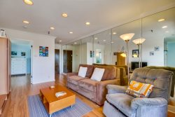 Denise`s South Mission Beach Retreat: Best location, miles away from all the attractions