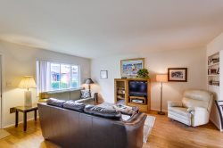 Jessica`s Felspar Apartment: Family Budget-Friendly Rental in the Beach Area