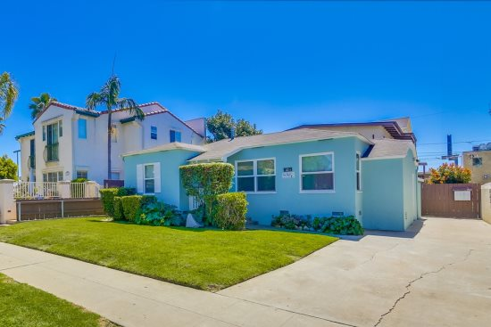 Pet-friendly private home with a yard in Pacific Beach, Ca. on Felspar St-- only 1 block from Trader Joes and Sprouts grocery stores.