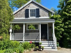 CAPTAINS COTTAGE- Town of Camden