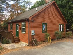 Cute Little Cottage Located in Innsbruck Golfing Community with Golf Package