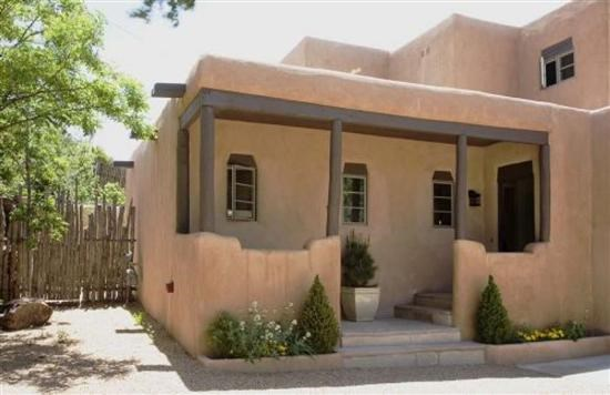 Casa de las golondrinas casas de santa fe vacation for Santa fe new mexico cabin rentals