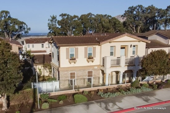 This beautiful home has a perfect location - walk to the bay, the Embarcadero and downtown Morro Bay