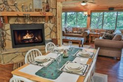 2 Bedroom Dog Friendly Rental Cabin in North GA - Minutes from Carter`s Lake and Marina