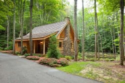 Magazine Ready Log Home Rental Cabin