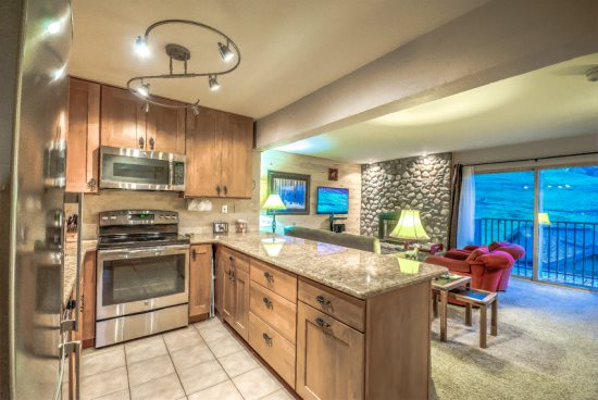 Fully Remodeled Kitchen With Granite Countertops and Stainless Steel Apliances