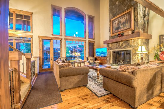 Living Area  With Dramatic Vaulted Ceilings, Gas Fireplace, Flat Screen TV