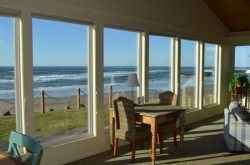 Beachcomber is a single story Arch Cape ocean front home with a Hot Tub! 4 Bedroom 3 Bath sleeps 10