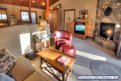 1BR Cottage Nestled at Yonahlossee Resort, King Bed, Jetted Tub, Fireplace, Kitchenette, HDTV, Wraparound Deck