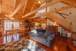 3BR Cabin, Seven Devils Mountain, Fire Pit, Grills, Hammock, Wooded, Creekside, Central to Attractions, Close to Hawksnest Snow Tubing, Sugar Mountain, Grandfather Mtn, Banner Elk, Boone