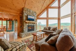 5BR Mountain Cabin with Long Range Views in Gated Community only 12 Miles to Boone, 8 Person Hot Tub, Catch and Release Fishing Pond, Pool Table, A/C and Much More!