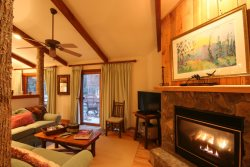 2BR/2BA with Gas Log Fireplace, King Master Suite, Jetted Tub, Rushing Creek in Back Yard, Club Privileges, Minutes From Downtown Blowing Rock & Blue Ridge Pkwy