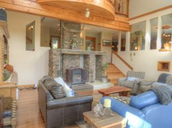5BR View of App Ski Mtn, Hot Tub, Fire Pit, Full Game Room, Less Than a Mile From the Slopes