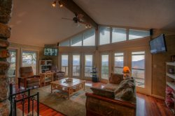 5BR, 2 King Master Suites, Hot Tub, Pool Table, and Big Views in Seven Devils