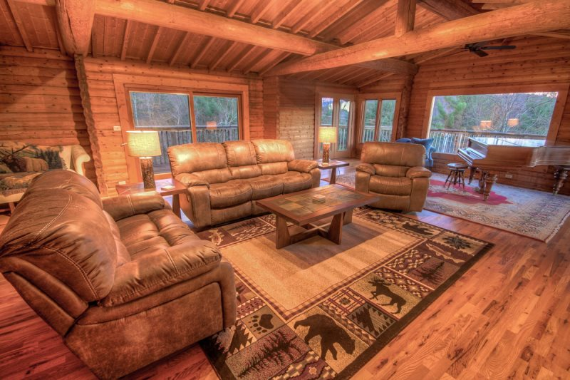 Big Sky Lodge 5BR Log Cabin Near Banner Elk Open