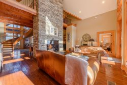 5BR/4.5BA, 5,850 SF of High Country Luxury! Big Mountain Top Views, Wooded Privacy, Hot Tub, Game Room, Adirondack-Style Comfort