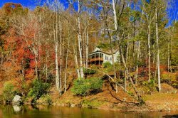 Riverfront Comfort in Valle Crucis, Upscale Mountain Transitional on the Watauga River with Hot Tub, Game Room