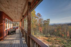 Peaceful and Private 3BR Mountain Lodge with Mountain Views, Hot Tub, Fire Pit, Game Room, King Master Suite and more