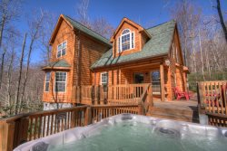 Distinguished Log Cabin with a Contemporary Touch on Beech Mountain, Close to Slopes, Hot Tub, Fire Pit