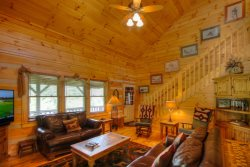 3BR Log Cabin, Close To Town, Hot Tub, Marble, Copper, Flat-Screen, Covered Porch, Pool Table, Granite, Leather, Views and More!