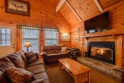 7BR, 2 Hot Tubs, Two Adjacent Properties Near Ski Slopes, Beech Mountain Club Membership