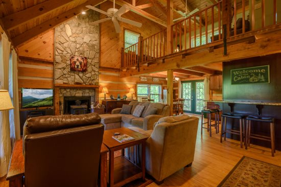 Grandfather Vista Cozy Cabin With Stone, Wood-Burning Fireplace