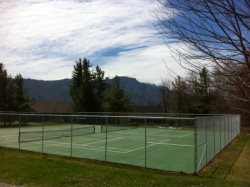 Top of The World Tennis Courts at Hawksnest