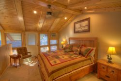 Sleeps 4, Tastefully-Remodeled, Ski Condo Short Walk / View of the Slopes on Beech Mountain, 2 Master Suites
