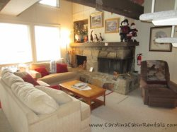 3BR Ski Condo Short Walk / View of the Slopes on Beech Mountain, King Bed, Stone Fireplace with Gas Logs