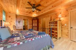 Valle Crucis Overlook Master King Suite on Main Floor