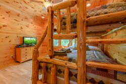 Valle Crucis Overlook Log Bunk Room with Twin over Double