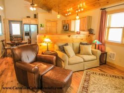 Perfect Mountain Cabin Getaway! Beech Mountain Cabin - Half a mile from Ski Slopes!